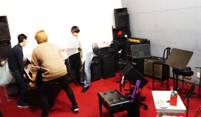 200307-5-piano.jpg